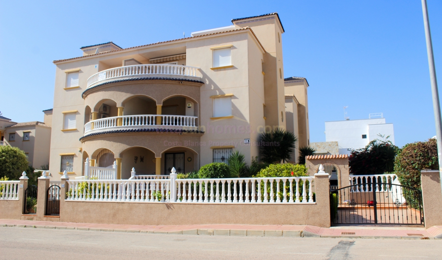 Resale - Apartment - Orihuela Costa - Cabo Roig